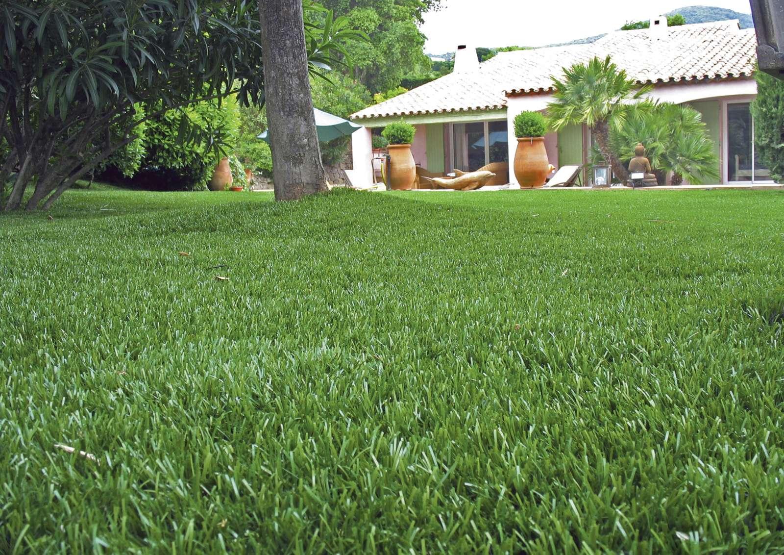 Giardini in erba sintetica realizzazione e progettazione